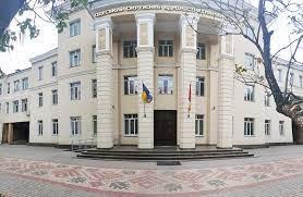 Одесский суд признал незаконным запрет на посещение школ и детсадов для непривитых детей и поставил под сомнение легальность противоэпидемических мер
